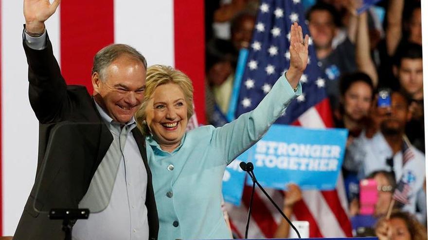 Kaine y Clinton debutan juntos en Miami con un mensaje de optimismo y diversidad