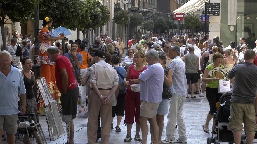Agencias de viajes de Baleares piden a Fomento que destine a rebajar tasas la inversión en aeropuertos
