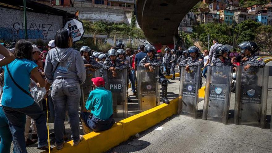 Los simpatizantes de Maduro protestan otra vez por jamones navideños
