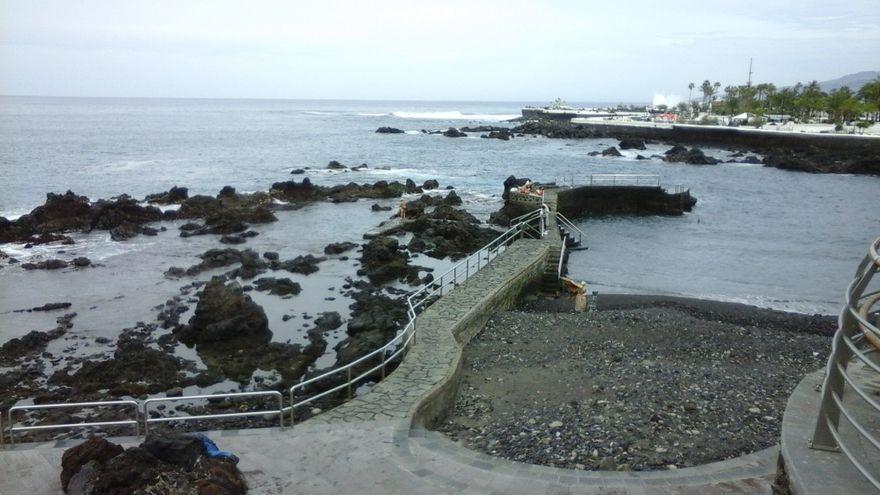 Cerrada al baño la playa de San Telmo en Puerto de la Cruz por alteraciones en la calidad del agua
