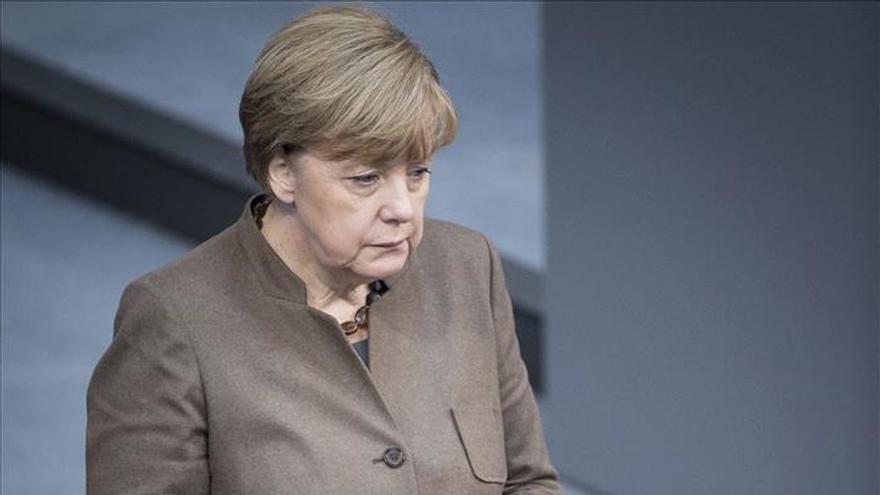 """Merkel felicita a Macri y le desea """"fuerza y buena mano"""" en su cargo"""