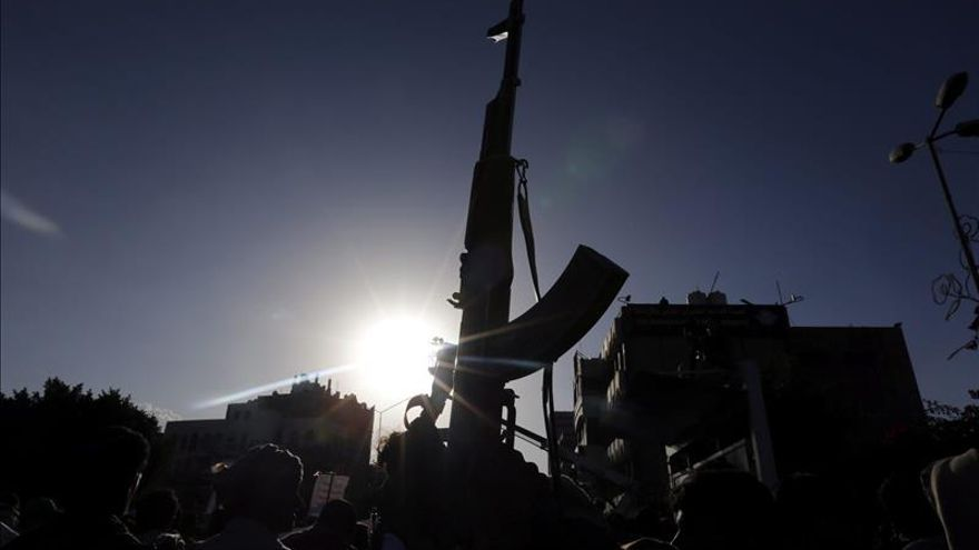 Combatientes de Al Qaeda ocupan una nueva capital provincial en el Yemen