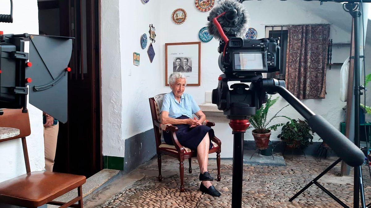 Entrevista a María Alba, hija del último alcalde republicano de Almodóvar, Manuel Alba, para el documental 'Nunca olvidaré'.