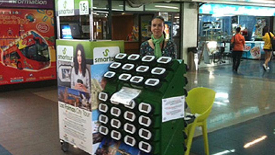 Mostrador con las guías en la Estación de Guaguas de San Telmo. (CANARIAS AHORA)