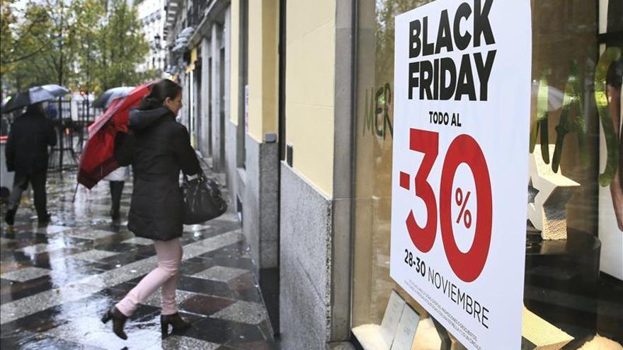 """El """"viernes negro"""" comienza con altercados en algunas tiendas del Reino Unido"""