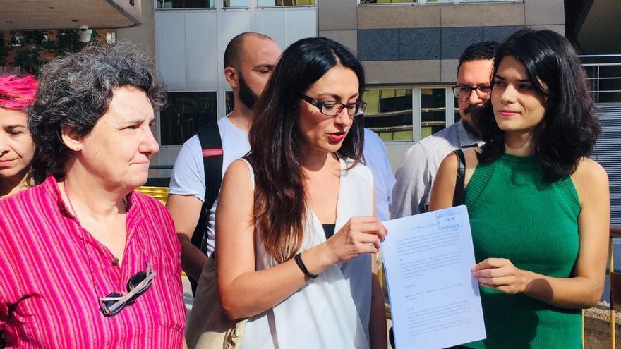 Isabel Serra, Sol Sánchez y Beatriz Gimeno, en la presentación de la denuncia en Fiscalía. / Unidas Podemos