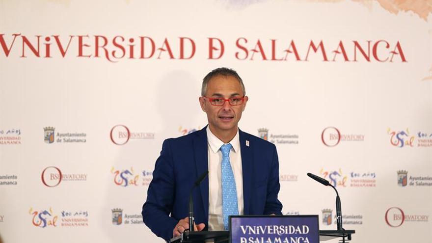 """El rector de Salamanca pide sanciones para las universidades """"no cuidadosas"""""""