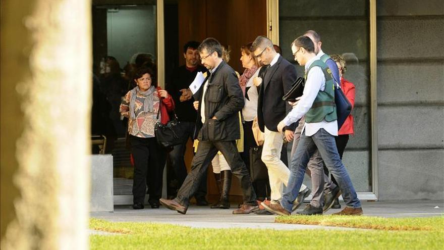 La operación contra una trama de pagos a funcionarios se salda ya con 26 detenidos