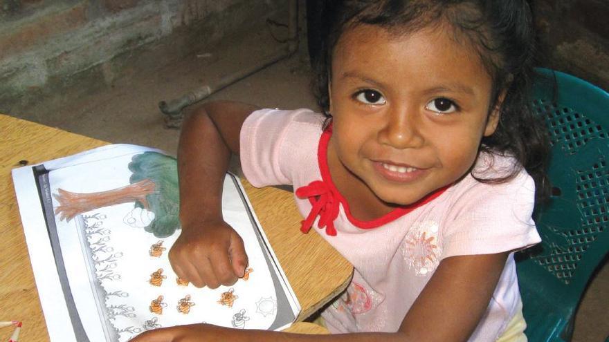Estamos trabajando para mejorar los equipamientos e infraestructuras de las escuelas de El Tabudito (El Salvador)