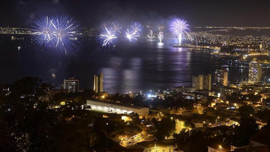 Chile recibe 2014 con una de las fiestas pirotécnicas más grandes del mundo