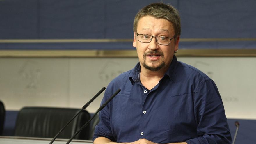 """Domènech cree que Santamaría busca arreglar una """"operación diálogo que está haciendo aguas"""""""