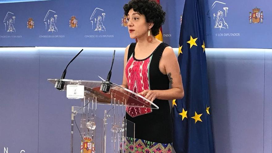 La diputada de Unidas Podemos y portavoz de En Comú Podem en el Congreso, Aina Vidal, intervierne en rueda de prensa en la Cámara Baja.