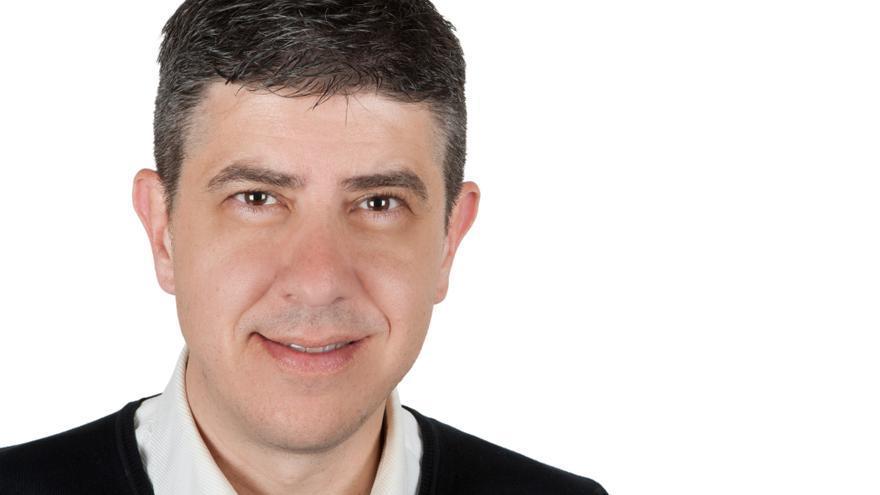 Paco Sierra concurre a las elecciones municipales como cabeza de cartel de Compromiso por Cantabria.
