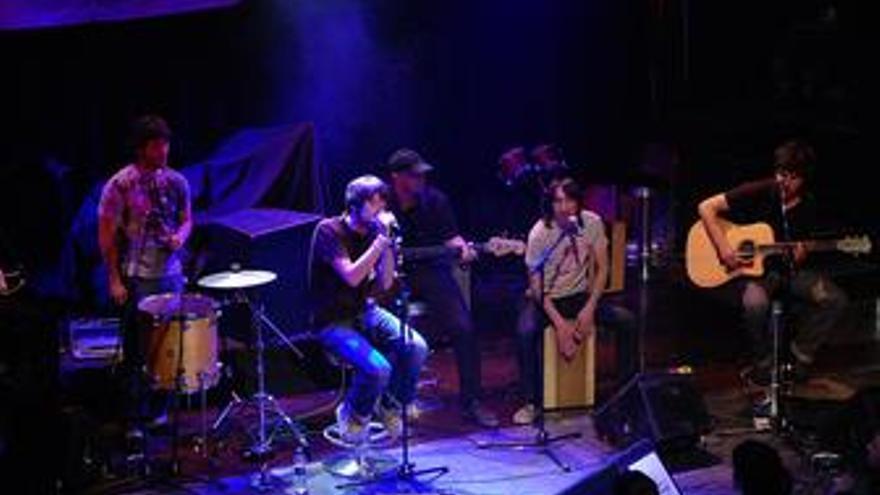 Parte del grupo Vetusta Morla durante un concierto