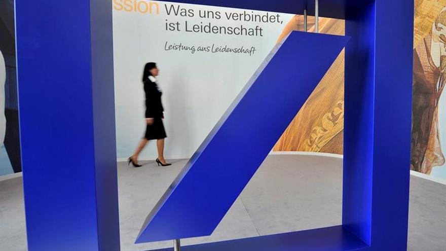 """Berlín: las informaciones sobre ayudas al Deutsche Bank son """"especulaciones"""""""