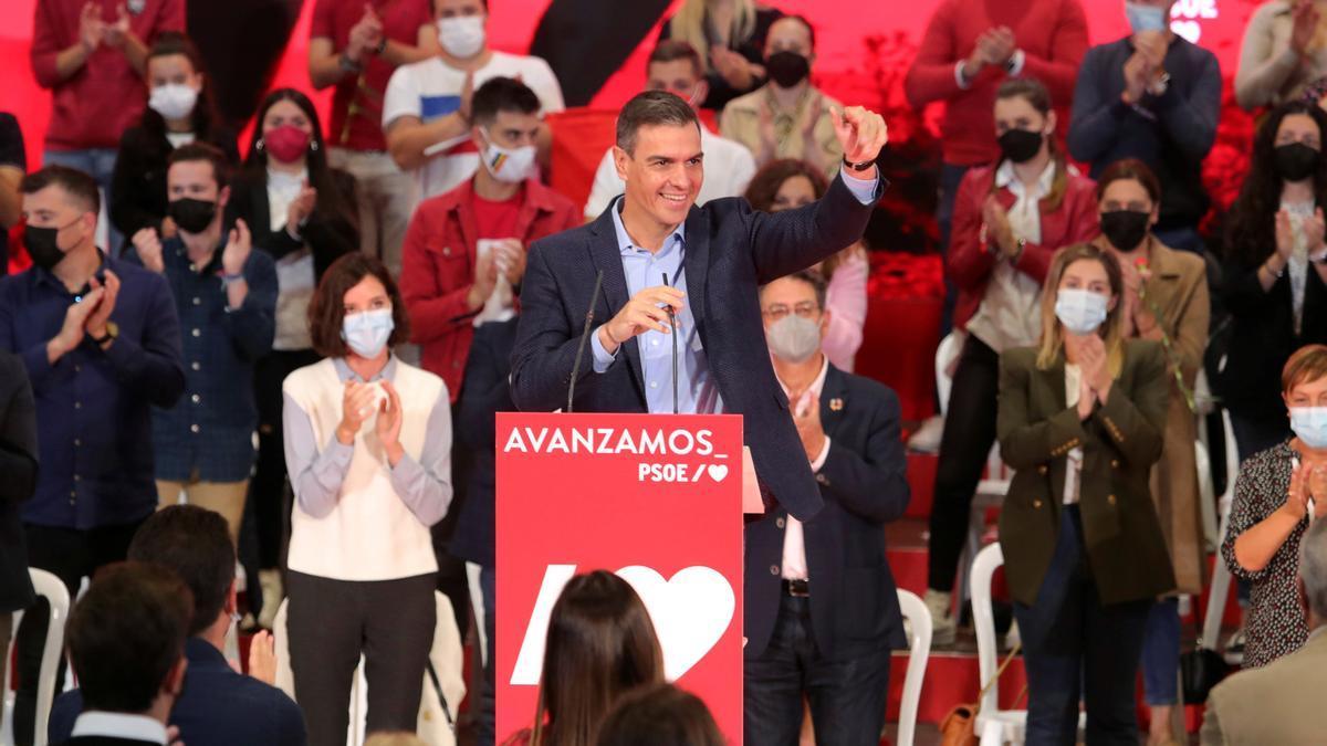 El presidente y secretario general del PSOE, Pedro Sánchez, en un acto del partido celebrado el domingo en Ponferrada. EFE/Ana F. Barredo