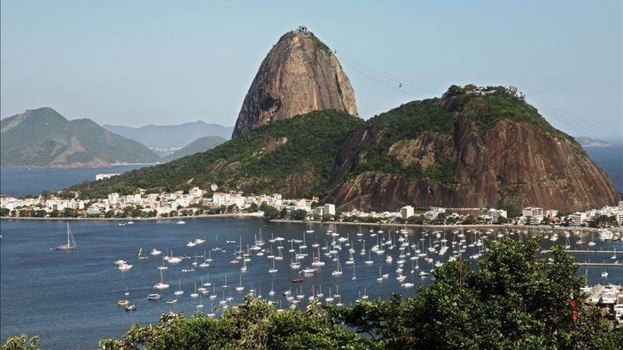 """Una bahía que baña la parte de Río """"está podrida"""", dice el secretario de Medio Ambiente"""