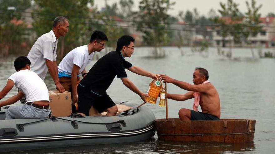 Alrededor de 250.000 personas siguen atrapadas por las inundaciones en China