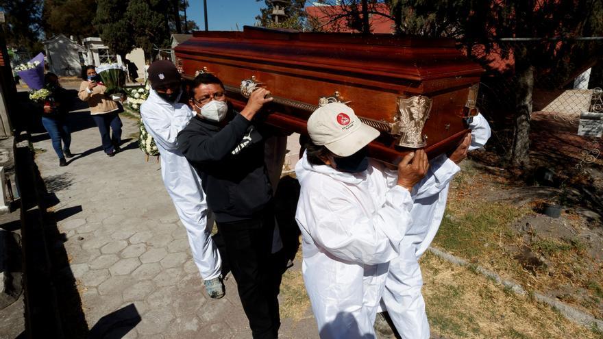 México notifica 761 nuevas muertes y 21.897 contagios por coronavirus
