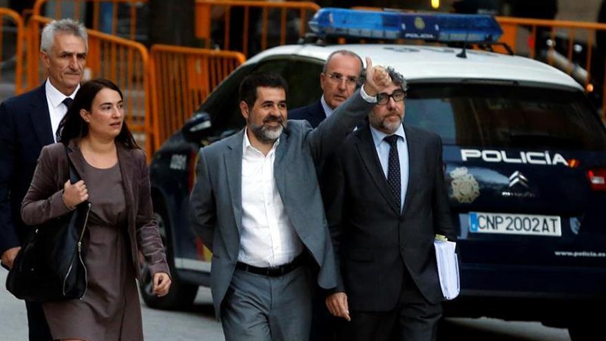 """El compañero de celda de Jordi Sánchez se cambia harto de la """"matraca"""" soberanista"""