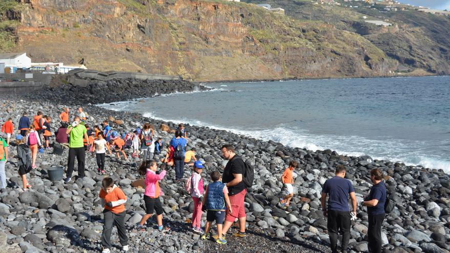Imagen de archivo de una actividad de limpieza del litoral.
