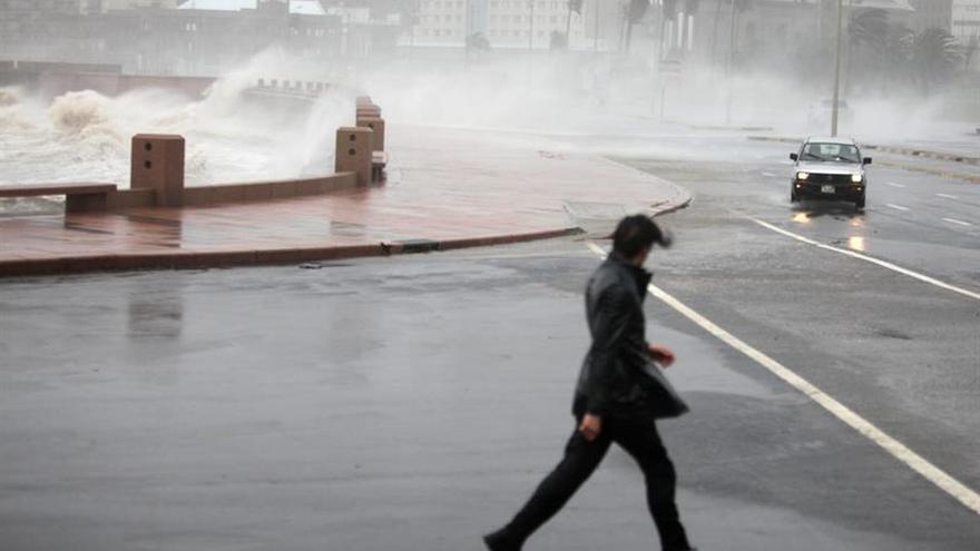 Los fuertes vientos en Uruguay dejan un muerto y miles de personas sin agua y luz