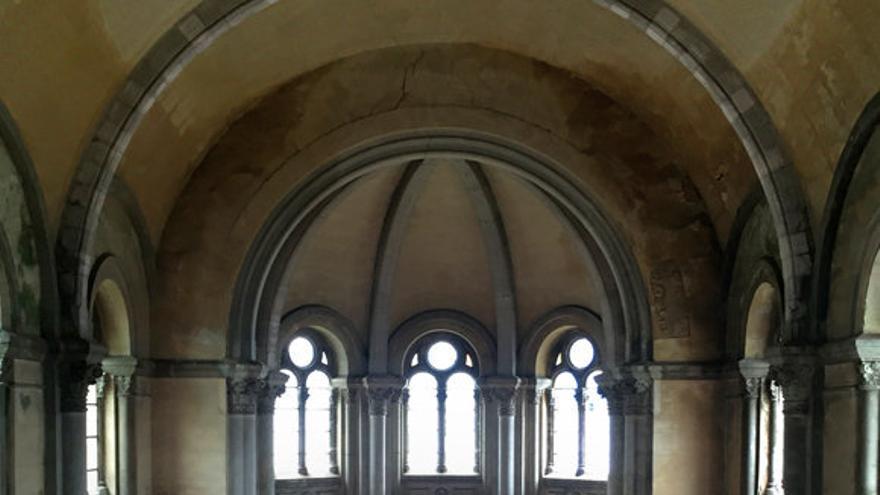 La iglesia de Santa Bárbara por dentro. Foto: Church Brigade