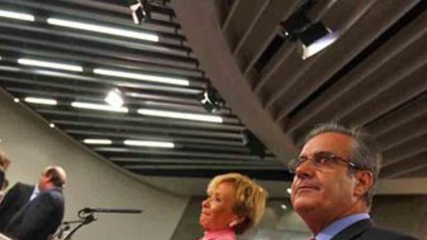 Vicepresidenta primera del Gobierno, María Teresa Fernández de la Vega y ministr
