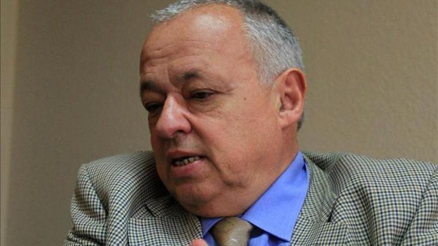 El académico español Gonzalo Santonja recibe un homenaje en Buenos Aires