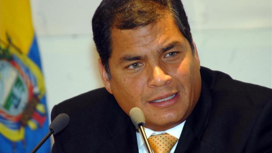 El presidente de Ecuador viaja a Surinam a la investidura de Bouterse
