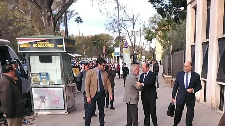 Pedro Antonio Sánchez a las puertas del Palacio de Justicia de Murcia
