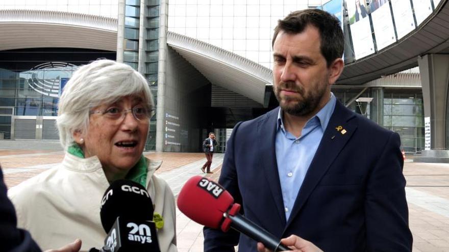 La exconsejera catalana Clara Ponsatí se entrega en una comisaría de Edimburgo