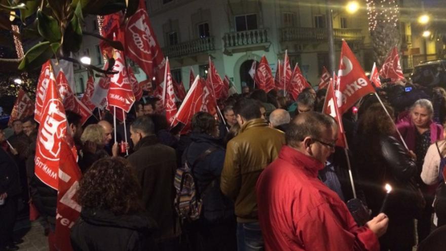 Concentración Badajoz bajo el lema #recuperarderechos / Twitter @UGTExtremadura