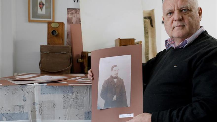 Localizan el primer álbum de fotos de España con imágenes del Cabañal de 1851