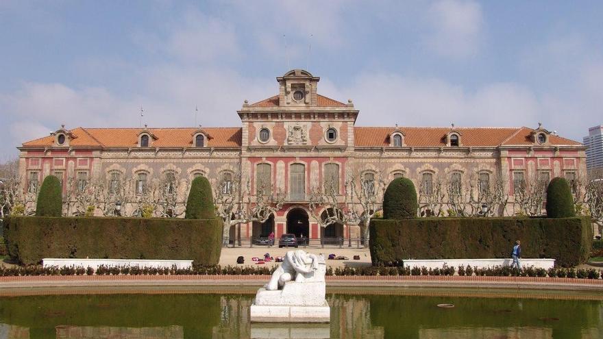 La Mesa del Parlamento catalán amplía el plazo para presentar enmiendas a la declaración a petición del PSC
