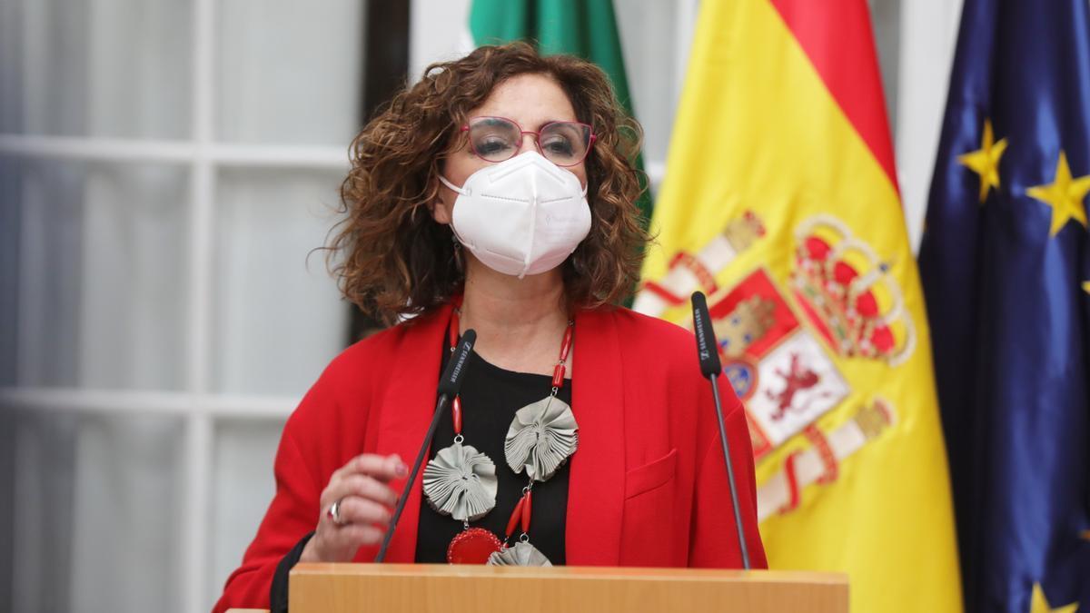 La ministra de Hacienda y portavoz del Gobierno, María Jesús Montero, en la toma de posesión del  nuevo delegado del Gobierno en Andalucía.  En la sede de la Delegación del Gobierno. Sevilla a 21 de marzo 2021