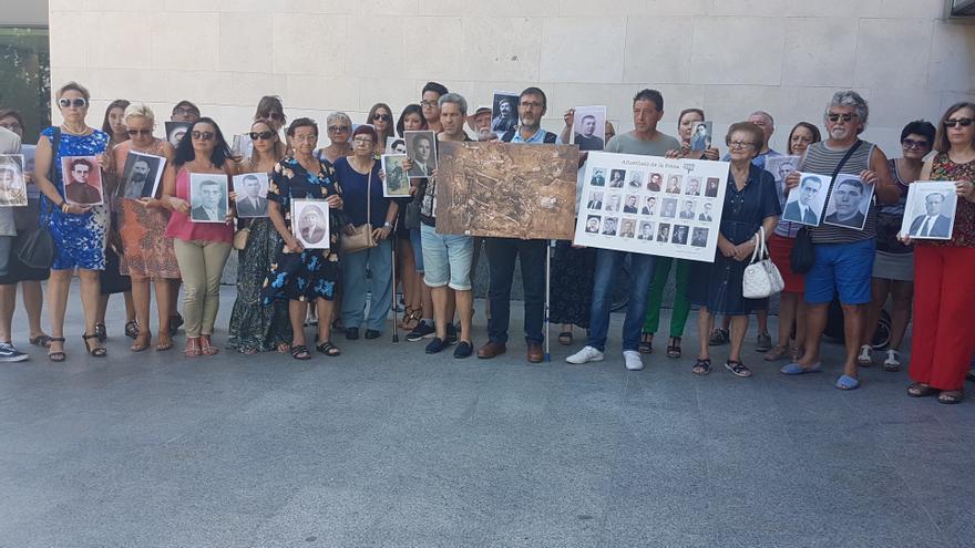 Els familiars de la Fossa 113 presenten un recurs davant de l'Audiència Provincial per a judicialitzar el procés d'exhumació