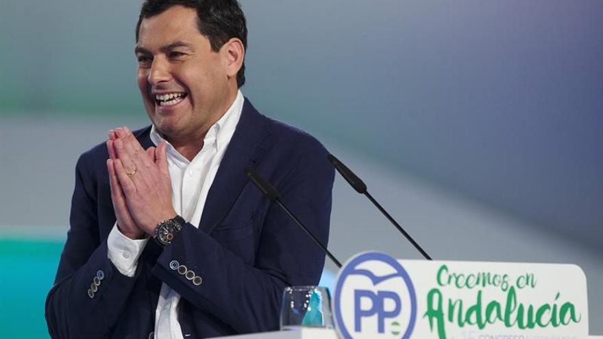"""Moreno llama a unirse a un PP """"centrado y sin dogmas"""" para renovar Andalucía"""