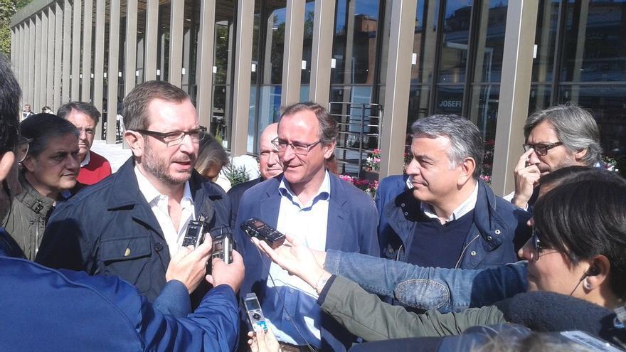 """Alonso asegura que el PP """"llevará la voz de la calle"""" al Parlamento vasco frente a los """"polítiqueos"""" del PNV"""
