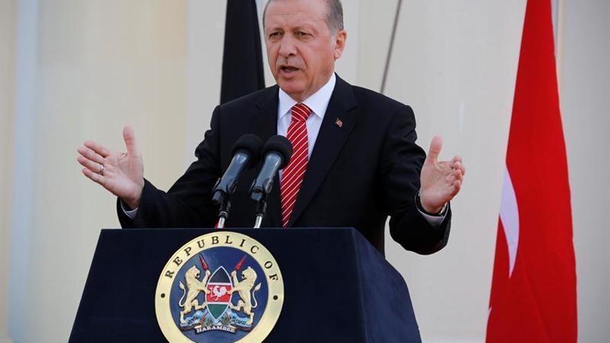 Erdogan habla de un complot alemán pero desvincula a la UE de la crisis