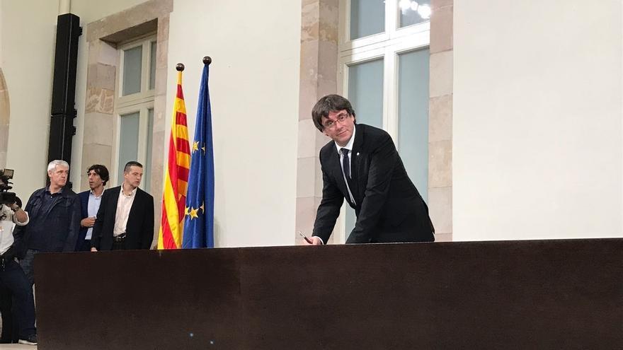 """Puigdemont lamenta que el Gobierno responda con el 155 a su petición de diálogo: """"Entendido"""""""