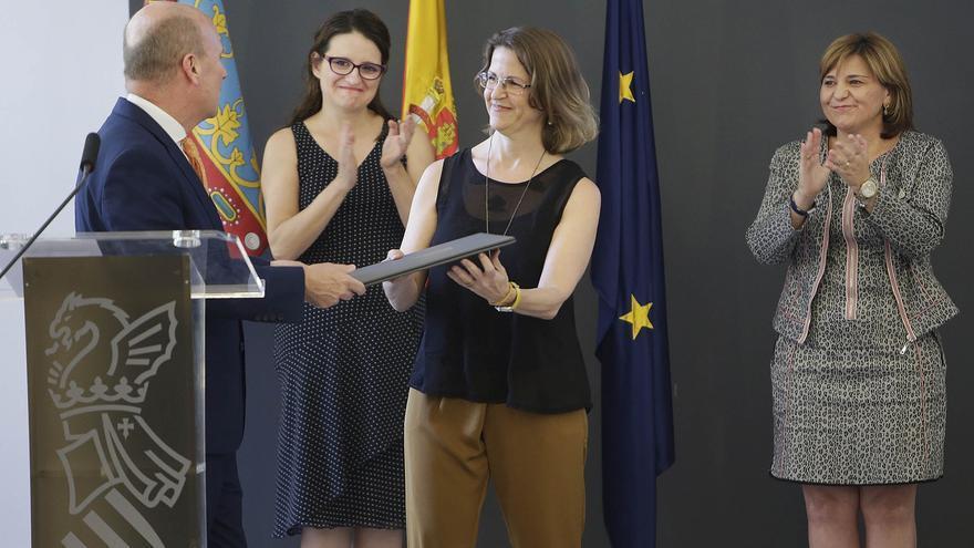Elena Cebrian, consellera de Agricultura y Medio Ambiente, junto a Máximo Buch, Mónica Oltra e Isabel Bonig