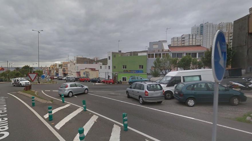 Golpean y roban 350 euros a un conocido suyo en el barrio de Pedro Hidalgo de Las Palmas de Gran Canaria