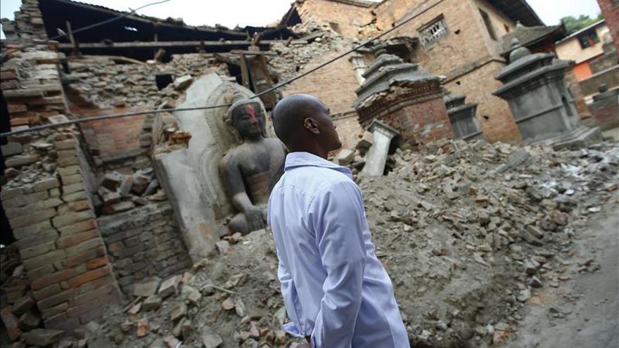 La OMS vigila la llegada de enfermedades a Nepal