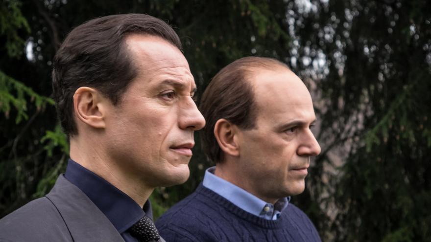 Leonardo Notte y Berlusconi, en la serie '1993'