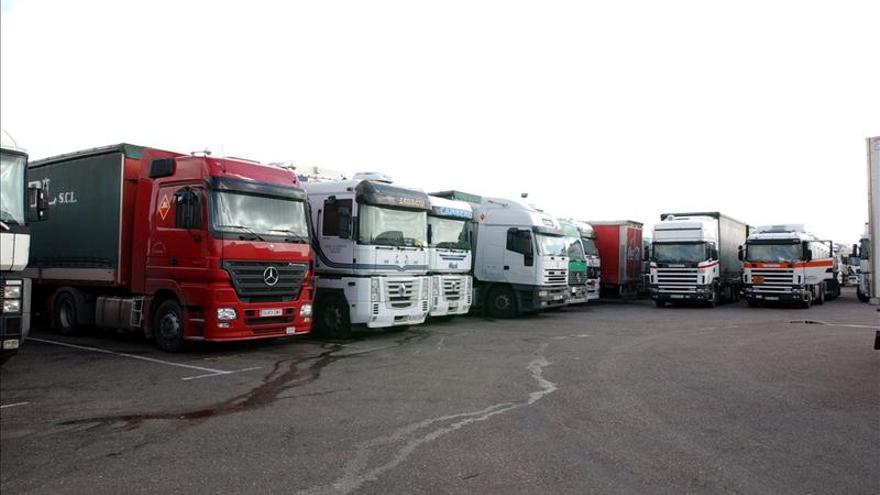 El transporte por carretera desconvoca la huelga tras el acuerdo con Hacienda