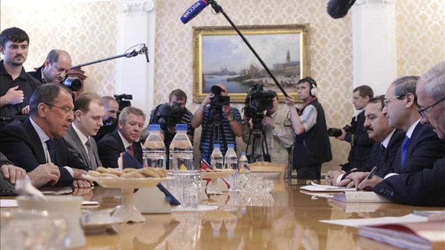 """Lavrov de declara sorprendido por el apoyo de EEUU a una """"resolución odiosa"""" sobre Siria"""