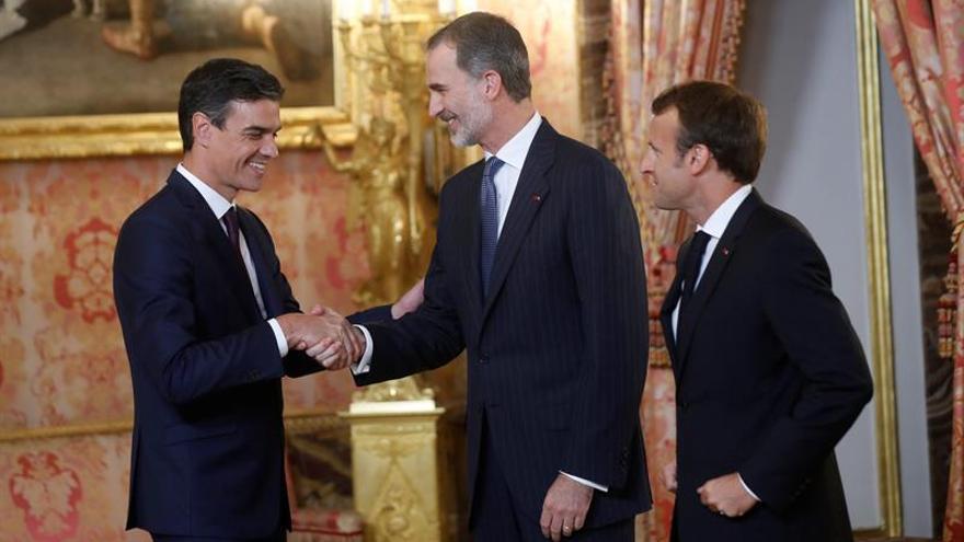 El Rey invita a Macron a conocer España de convivencia inspirada en la Constitución