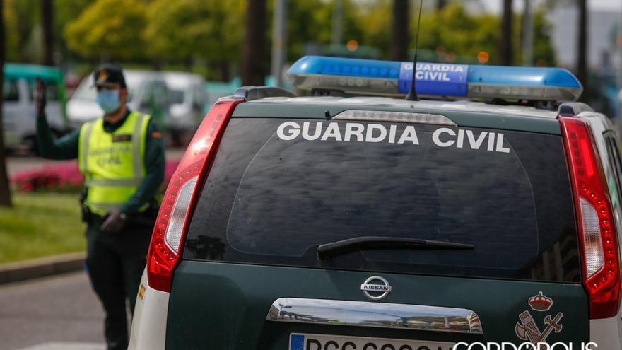 Agentes de la Guardia Civil | MADERO CUBERO