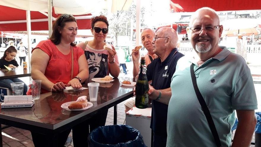 Vino dulce, miguelitos o bocata de 'chorimorci': los sabores de la Feria de Albacete